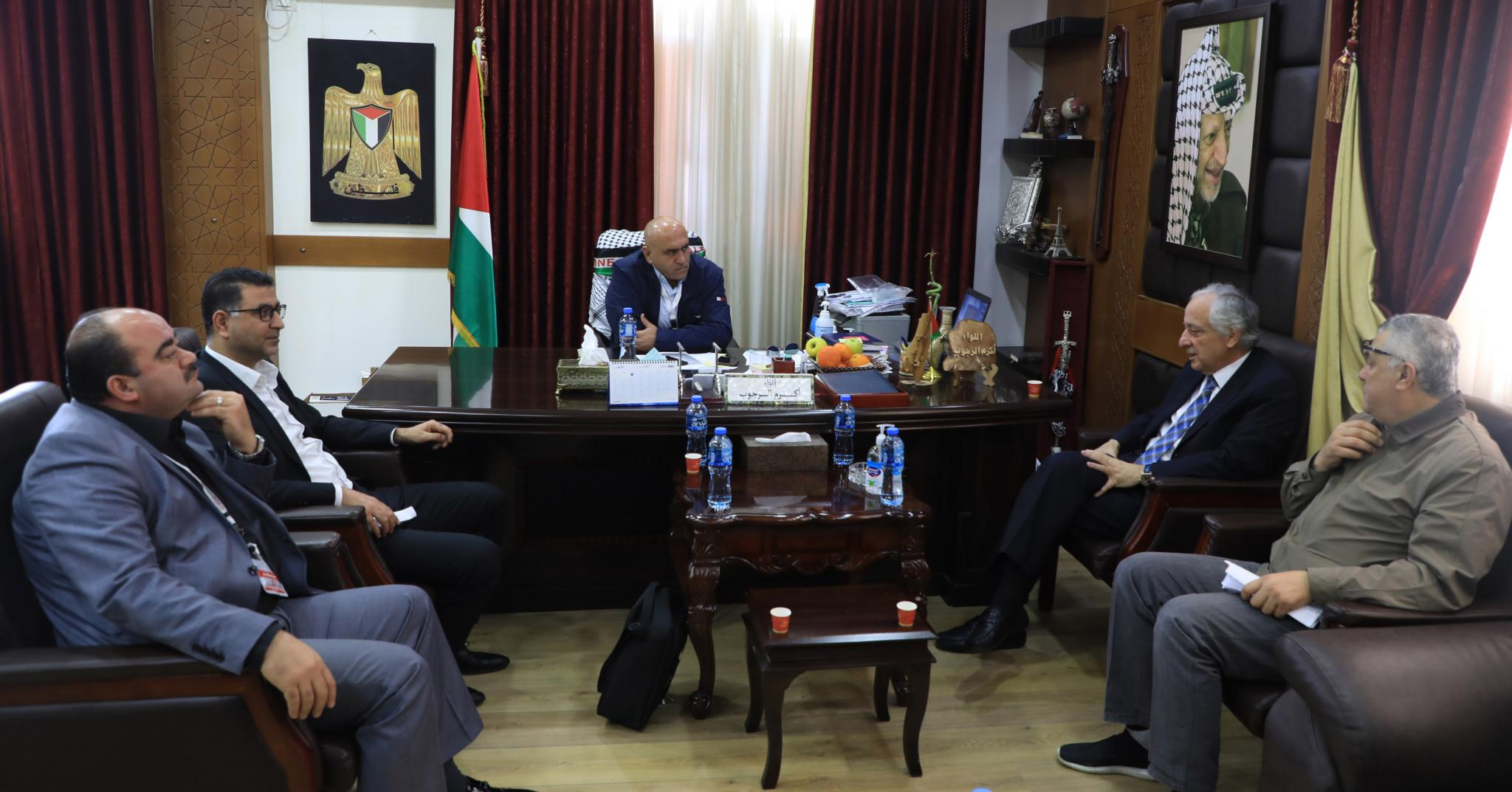During the meeting between the university delegation and Jenin governor