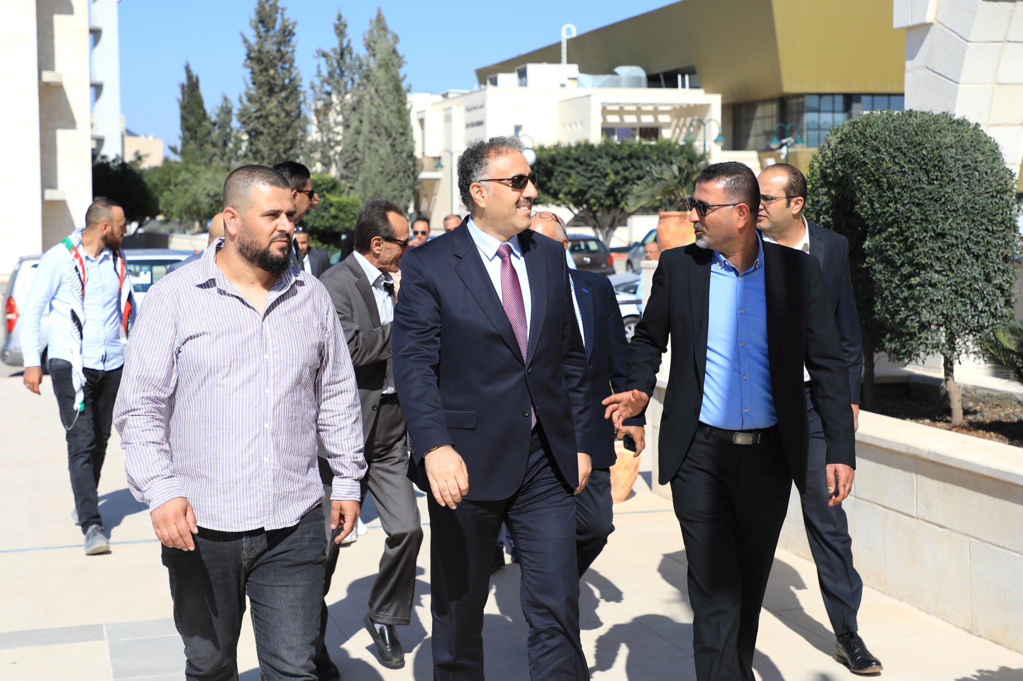 الجامعة تستقبل الوزير عساف في لقاء لتكريم صحفيي القدس وجنين