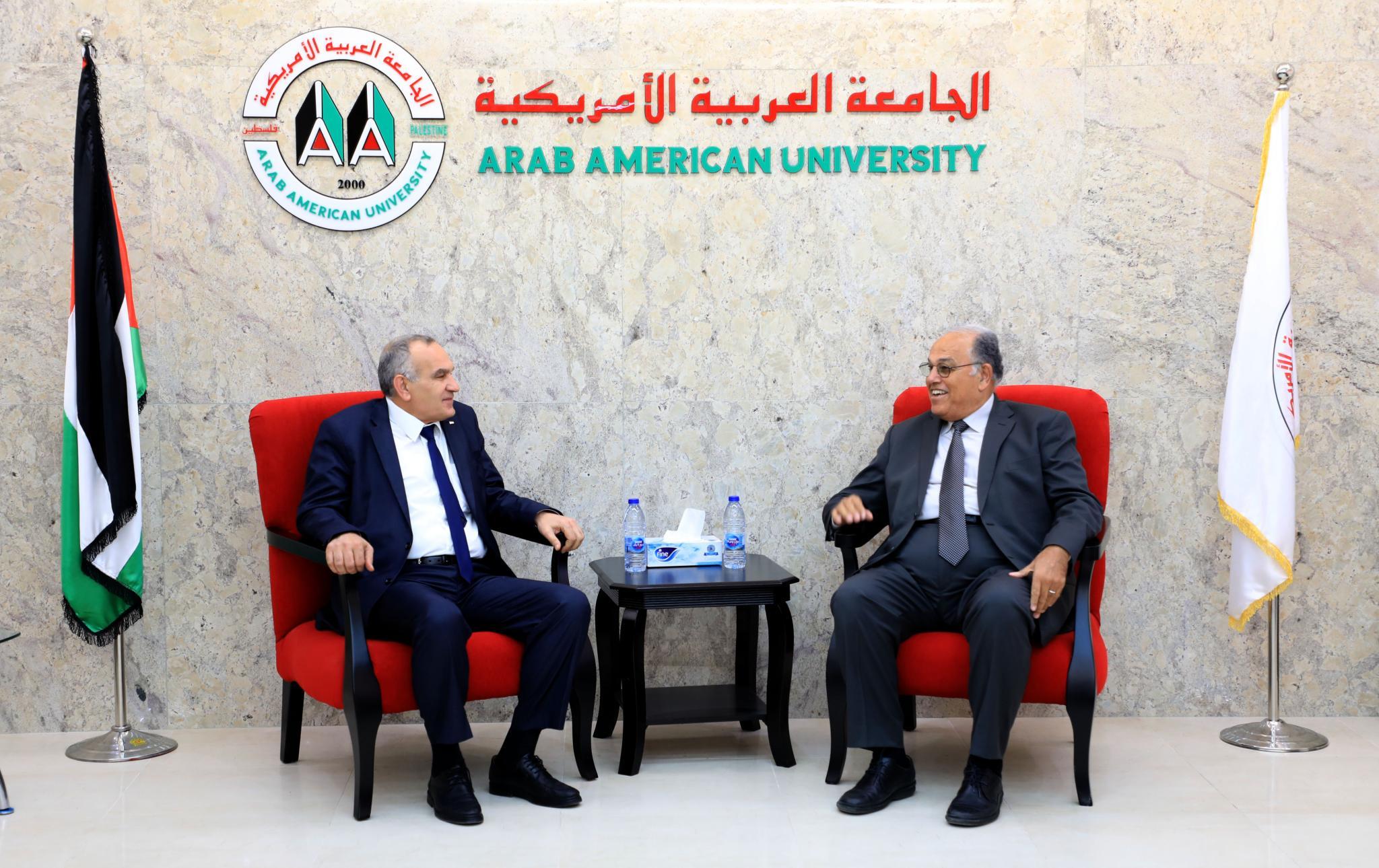لقاء رئيس الجامعة ووزير الاتصالات