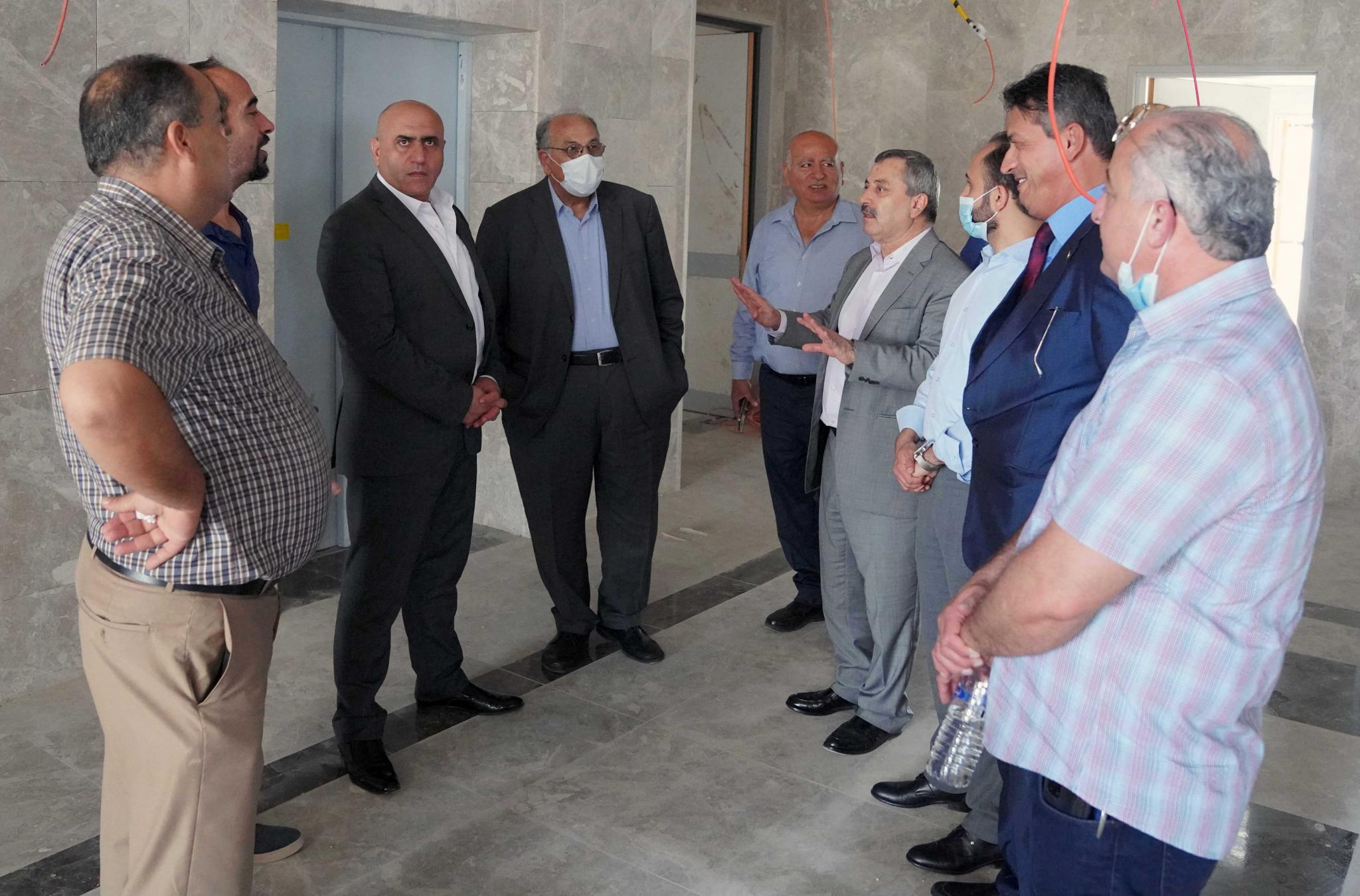 """An inspection tour to see the level of accomplishment that Ibn Sina hospital """"the educational hospital for the Faculty of Medicine in AAUP"""" reached"""