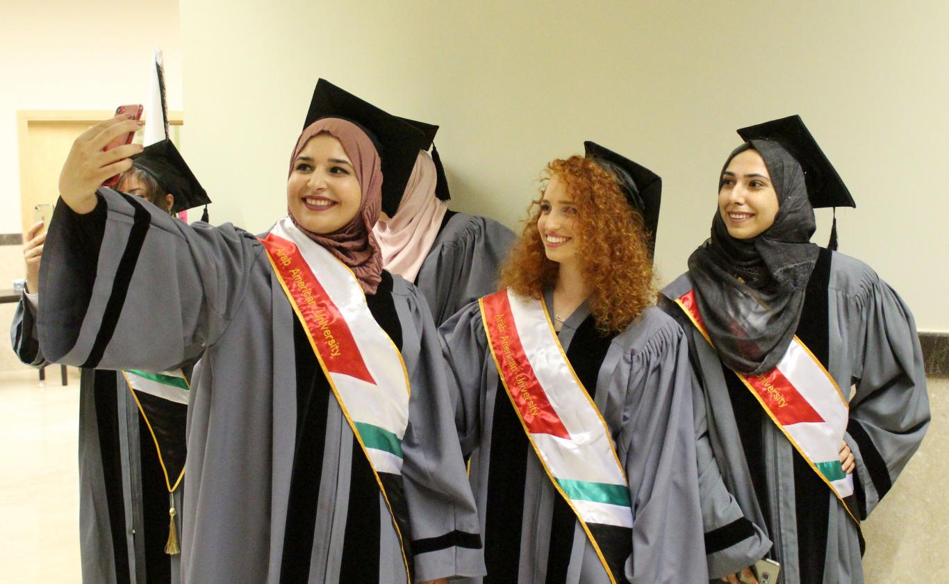 Graduate Studies students in the Strategic Planning and Fundraising, Conflicts Resolution and Development, Commercial Law and Computer Science programs