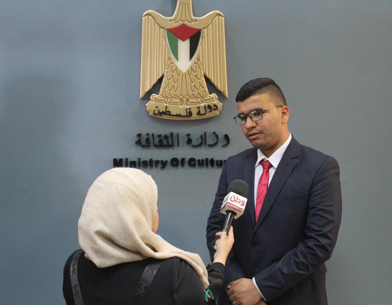 محمد غنام يستلم مهام وزير الثقافة