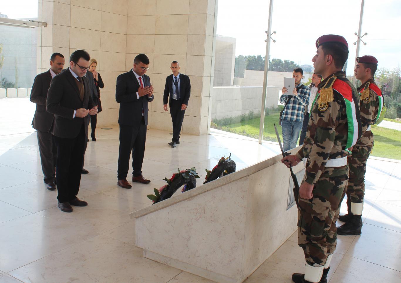 زيارة ضريح الشهيد الرئيس ياسر عرفات