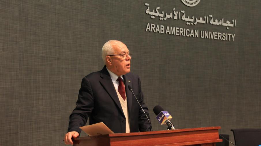 المرحوم الطيب عبد الرحيم أمين عام الرئاسة