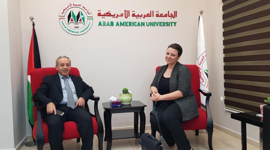 نائب رئيس الجامعة لشؤون التدريب الدكتور نظام ذياب يستقبل ممثلة المؤسسة الألمانية للتبادل الأكاديمي DAAD في فلسطين كرستينا شتالبوك