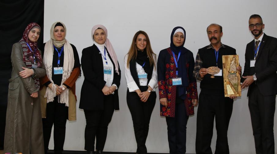 تكريم وفد الجامعة العربية الامريكية المشارك في جلسات اليوم العلمي الثاني