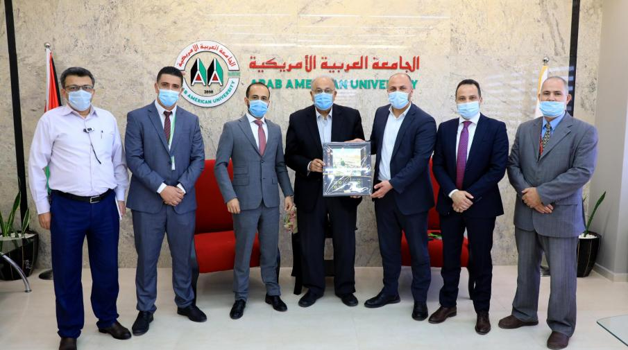 A delegation from Jawwal gifted AAUP on its 20th anniversary
