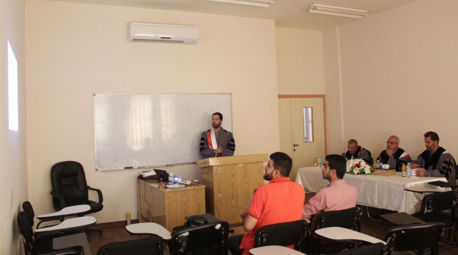 جانب من مناقشة الباحث محمود طاهر ابراهيم