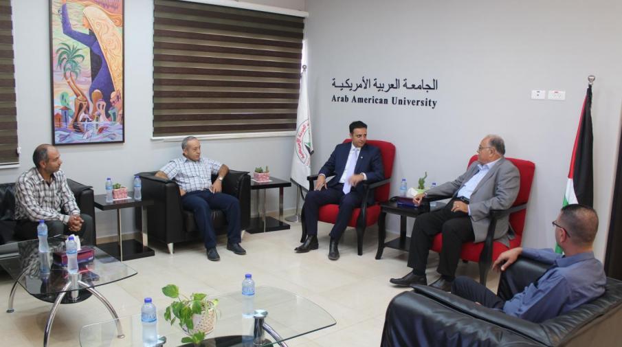 جانب من استقبال رئيس الجامعة الأستاذ الدكتور علي زيدان أبو زهري للدكتور جمال نزال