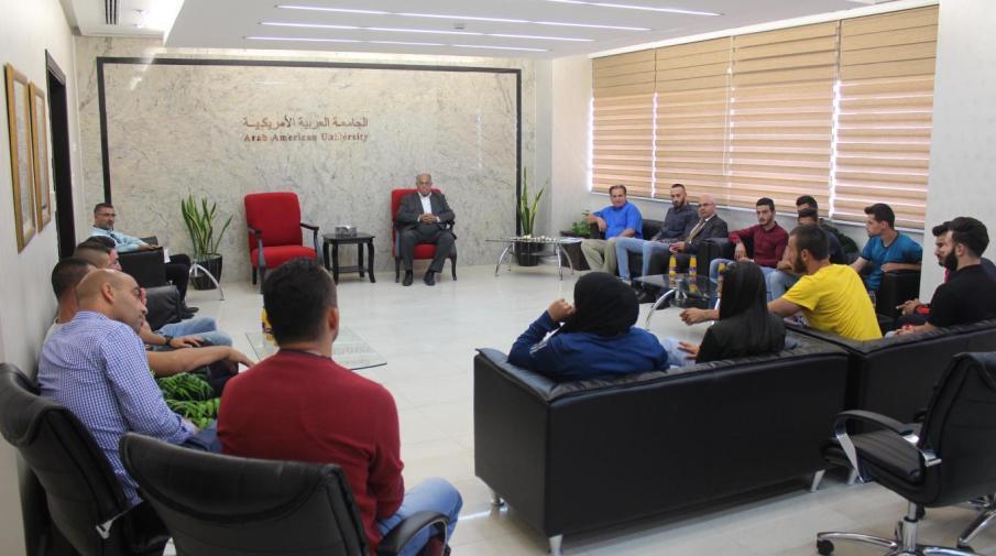 تكريم منتخب الجامعة الذي شارك في بطولة الجامعات الفلسطينية للذكور والاناث عامي 2016 و2017