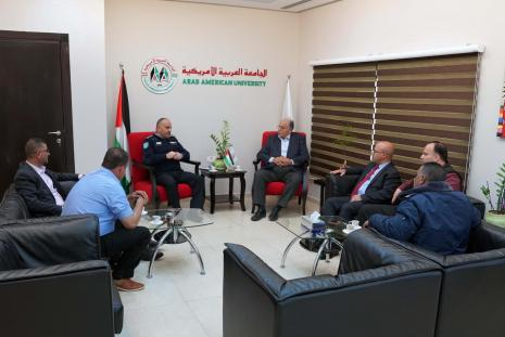 The University & the Police of Jenin Governorate discuss ways of cooperation to provide security for students and organize traffic