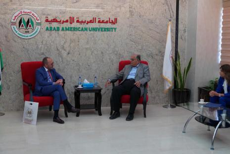 The representative of Mexico in Palestine visits the University
