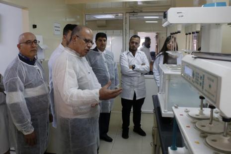 طلبة الصيدلة في الجامعة العربية الامريكية في زيارة لشركة القدس للمستحضرات الطبية برام الله