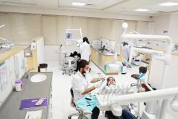 المركز الطبي بحرم الجامعة في رام الله