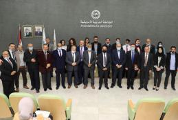 """الجامعة حرم رام الله تنظم حفل تخريج دورة تدريبية حول """"التحكيم والعقود وحل النزاعات"""""""