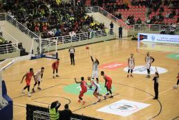 مباراة المنتخب الفلسطيني مع متخب سريلانكا في الصالة الرياضية المغلقة