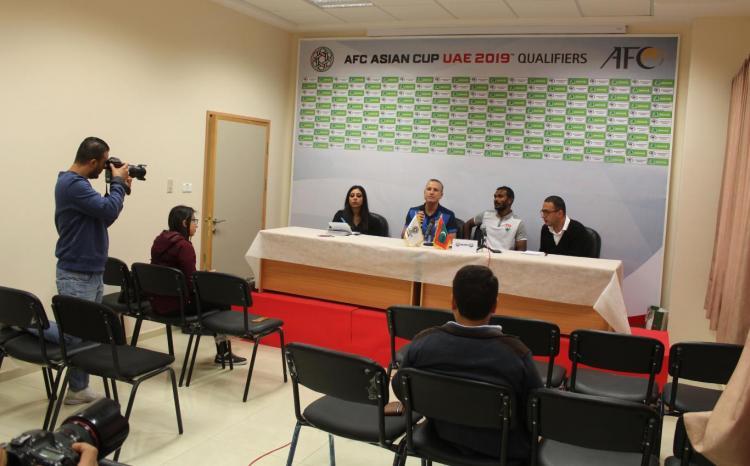 لقطات من المؤتمر الصحفي لمدربي منتخبي فلسطين والمالديف