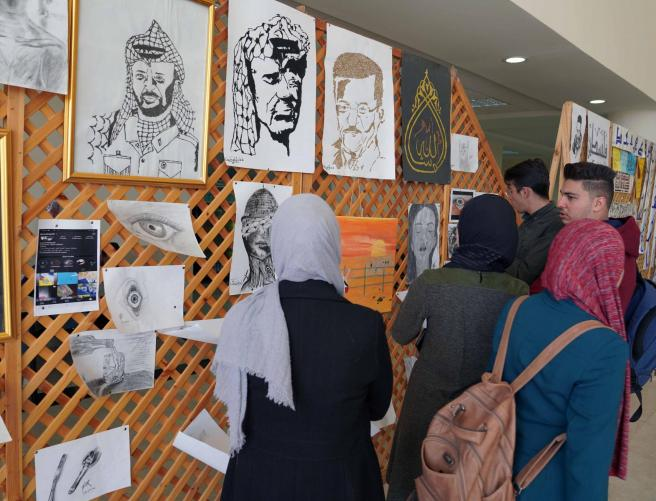 AAUP Organizes a Fair Containing Projects of its Students