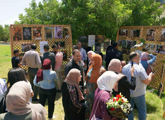 Photo Fair organized by students of the Arabic Language and Media Department