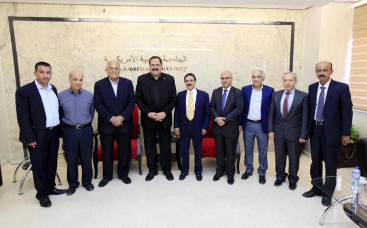 وزير التربية والتعليم العالي الدكتور صبري صيدم يزور الجامعة