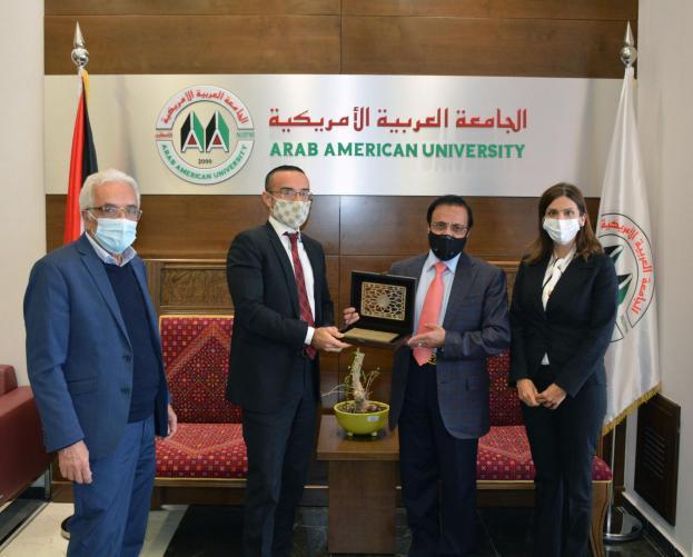 القنصل الايطالي العام السيد جوسيب فيديل يزور حرم الجامعة في رام الله