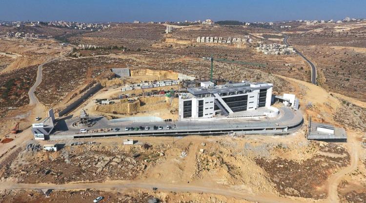 مبنى الدراسات العليا في رام الله